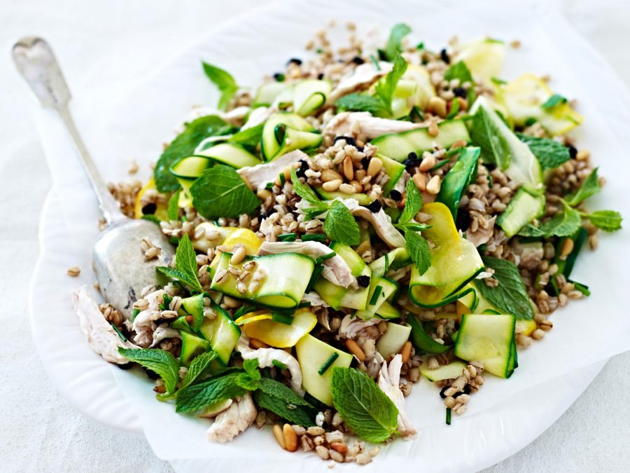 byron bay nutritionist chrissy freer poached chicken salad