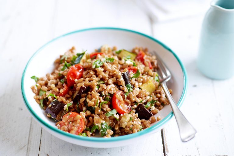 byron bay nutritionist chrissy freer warm spelt salad